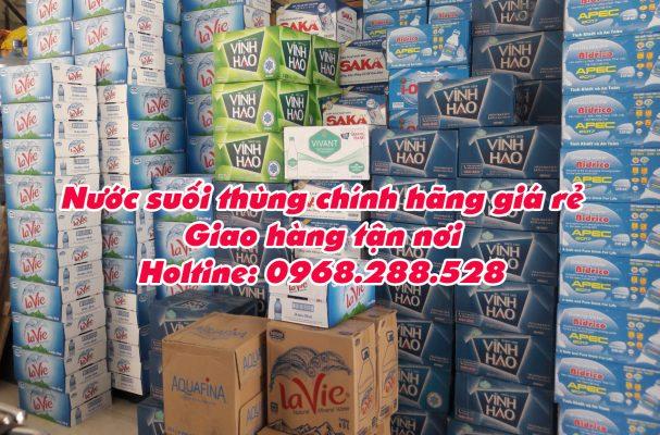 nước suối thùng giá rẻ