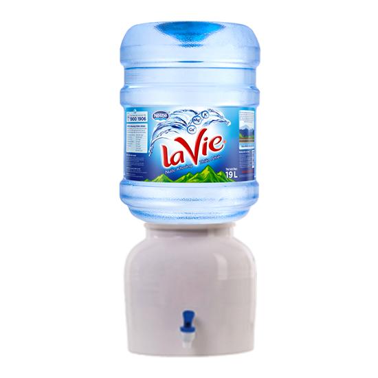 Nước khoáng LaVie sử dụng cùng bình sứ